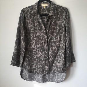 Cloth & Stone Grey Leopard Print Blouse